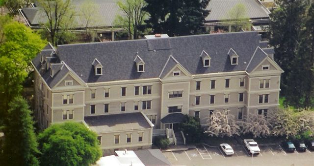 CertainTeed Grand Manor Shangle, Color Black Pearl.  Fairbanks Hall, OSU - Corvallis, OR